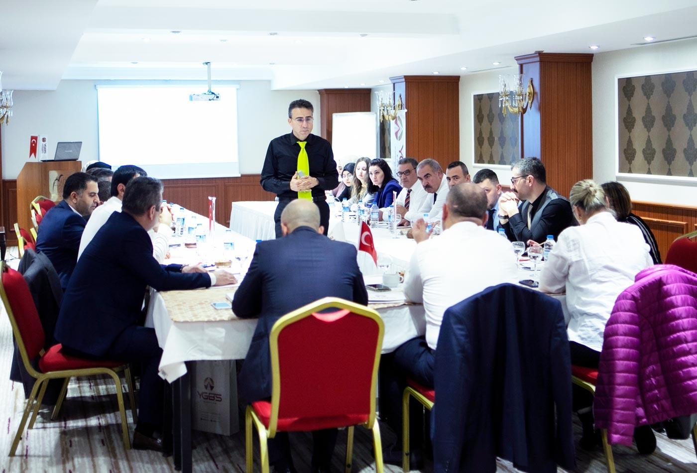 Yönetim hizmetleri eğitim semineri
